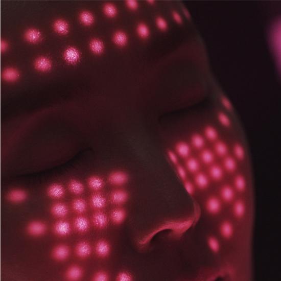 """独家揭秘:传说中的""""光子LED面膜仪""""究竟有用吗?"""