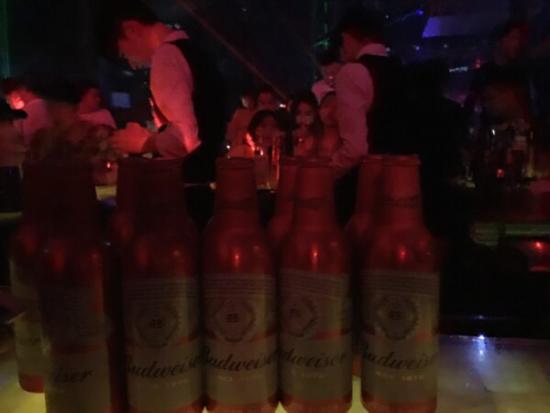 成都SpaceClub(斯贝斯酒吧)-消费卡座散台预订