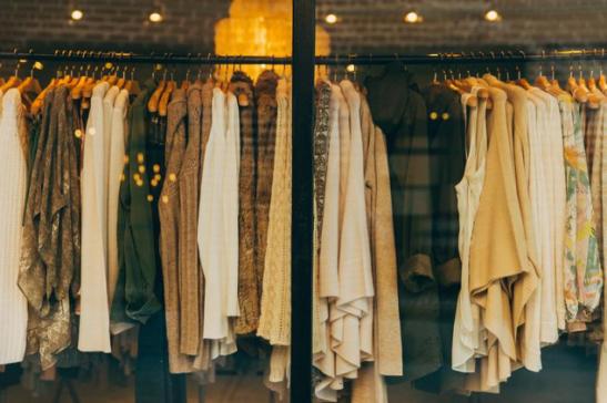 拥抱新零售 服装行业如何落地智慧门店