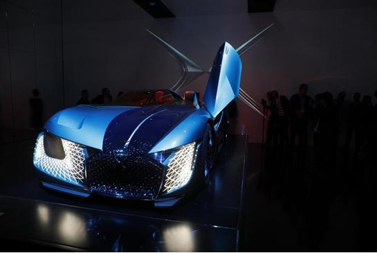 爱飙车爱耍帅? 那今年巴黎车展上的DS X E-TENSE你一定不能错过!