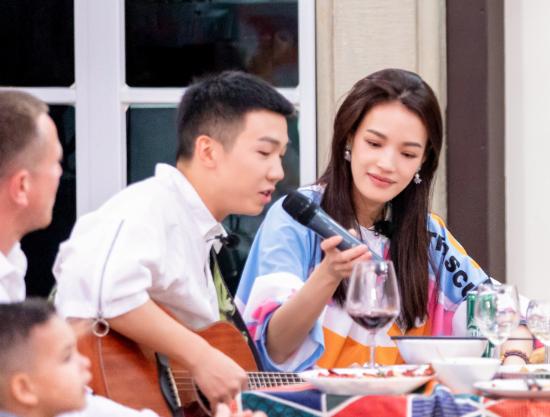 《中餐厅2》完美收官,满屏美食也挡不住DS7的魅力!