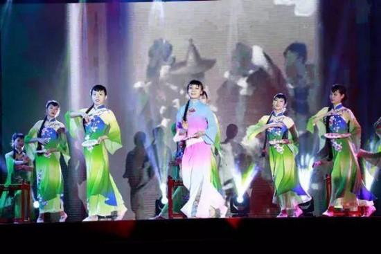 天河金领技校元旦晚会——燃烧青春,绽放芳华