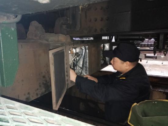 武昌运用车间新工长的春运首秀系列之一:专修二位班方建