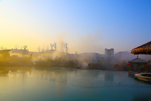临朐揽翠湖温泉:春季泡温泉有什么好处?