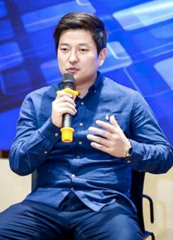 向前金服CTO李栋明:数字化服务