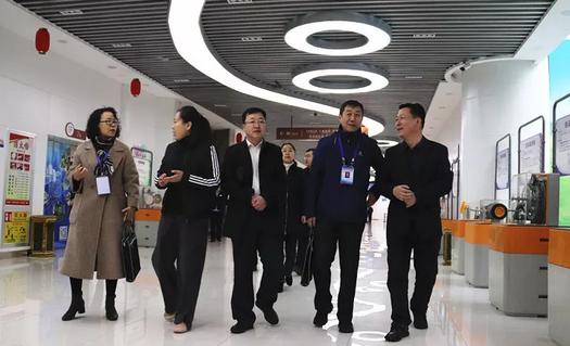 青山区教育局检查青少年发展中心2019春季开学工作