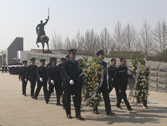 沧州西站派出所党支部 开展祭扫马本斋烈士陵园活动