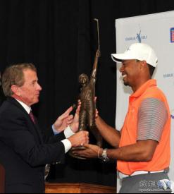 查理高尔夫奖杯获得者世界高尔夫冠军老虎·伍兹