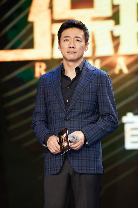 祖峰现身《保持沉默》首映  携手周迅玩转推理谜题