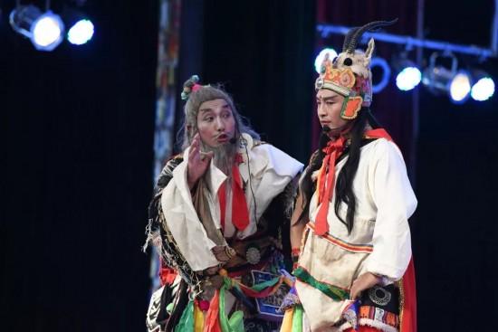 格萨尔藏戏的艺术家——塔洛