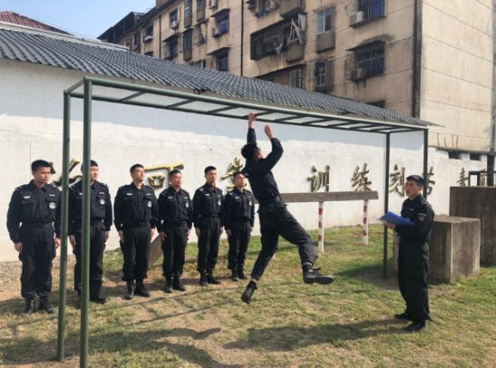 鹰潭铁路公安处特警支队开展体能大比武