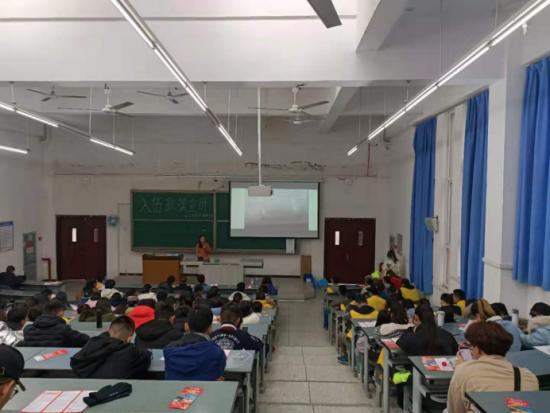 石大學子進行志愿征兵宣講活動
