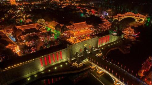 山東特色小鎮推薦臺兒莊,走進星辰璀璨的古城花燈會