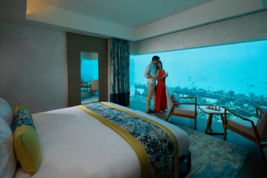 前所未见,马尔代夫铂尔曼马姆塔岛酒店的海底别墅带您领略大海的另一面