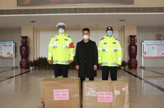 郑州易视界实业为南阳,信阳、淅川、郑州四地一线执勤人员捐赠防疫物资