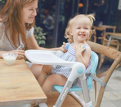 """有多少宝宝餐椅能够像""""小飞椅""""一样便捷时尚?"""