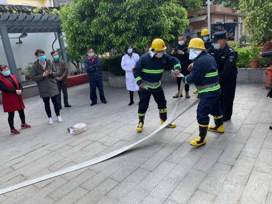 闸弄口社区 消防安全知识暨紧急疏散演练活动