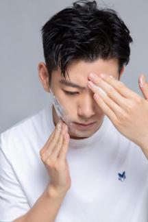 男士护肤三部曲,造就干净加分脸!