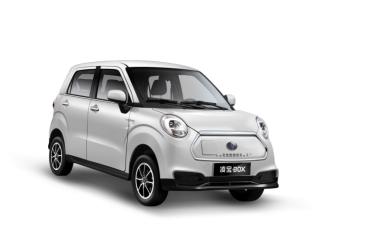 想买辆电动汽车,凌宝新能源汽车怎么样?