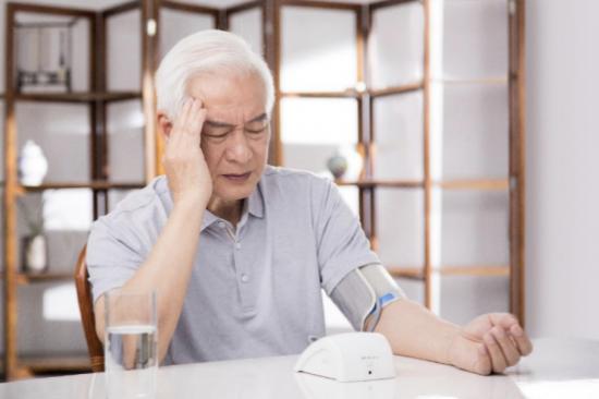智能提醒+数据监控,真正的智能血压计来了