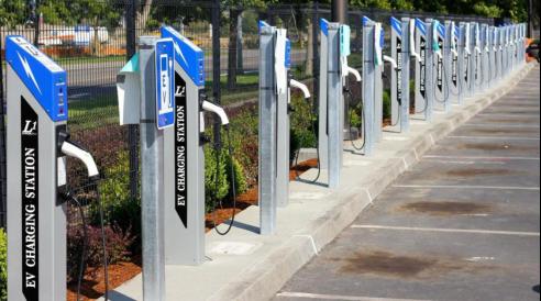 新基建助推新能源汽车市场扩大化