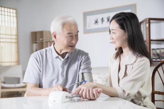 关注高血压问题,讯飞血压计用心呵护你的健康