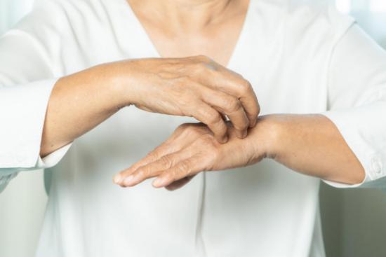 过敏性湿疹究竟因何而起?改善过敏性体质,还要从利敏舒益生菌开始
