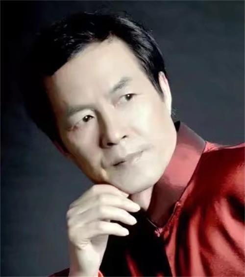 国宾礼书画网副主席李人雄